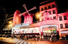 moulin-rouge-show-vip-seating-with-champagne-in-paris-504549
