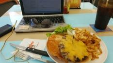menu burger di hooters clarke quay