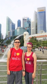 jogging couple at marina bay