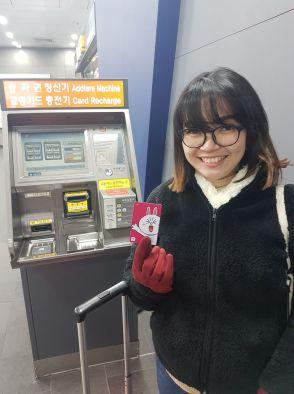 Mengisi T-Money di Stasiun Seoul