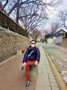 berjalan menuju gyeongbokgung