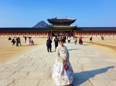 yuditika goes to gyeongbokgung