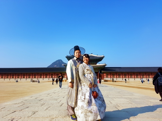 Liburan Babymoon ke Seoul, Korea Part 4 (hanbok, gyeongbokgung dan buchon hanok villange)