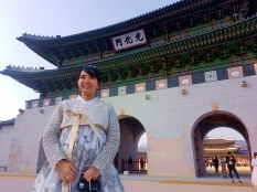 yuditika goes to gwanghwamun gate